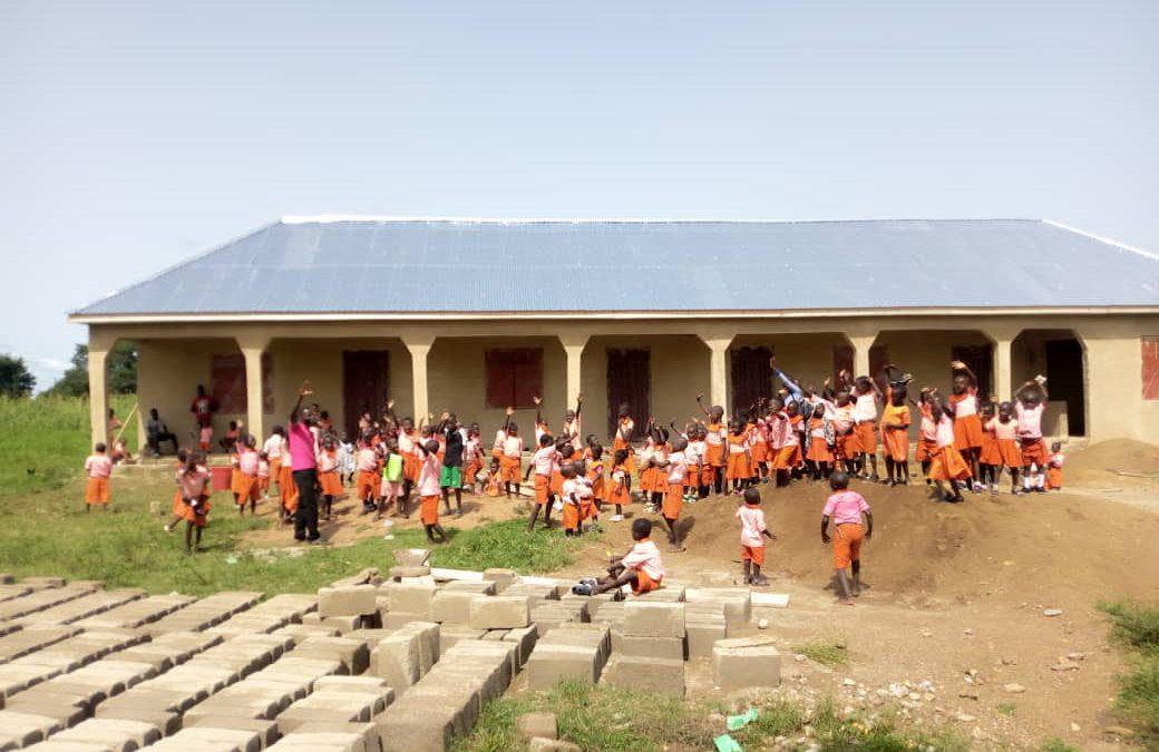 Bau des Schulgebäudes in Zuarungu