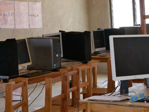 Mikrokredite und Computerzentrum