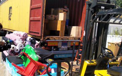 Container macht sich auf den weiten Weg nach Benin